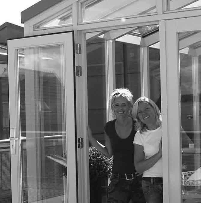 Wie zijn wij: Alies Zwaan en Jolanda Albada Jelgersma van Styleadvies, stylen van interieurs, voor zakelijk en particulier